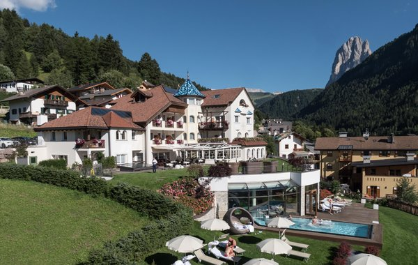 Foto estiva di presentazione Alpenheim Charming & SPA Hotel - Hotel 4 stelle