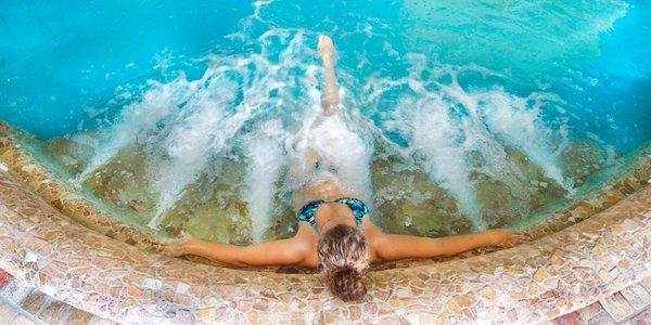 La piscina Ansitz Jakoberhof - Hotel 4 stelle