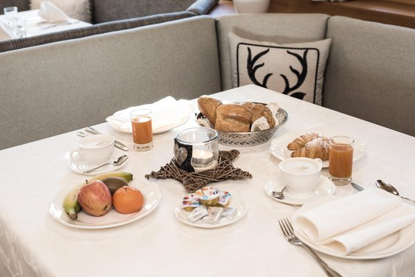 La colazione Pinei Nature & Spirit - Hotel 4 stelle