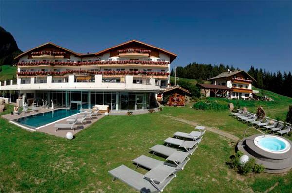 Hotel scherlin ortisei val gardena - Hotel castelrotto con piscina ...