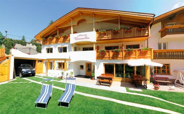 Foto estiva di presentazione Villa Brunello - Hotel 3 stelle sup.