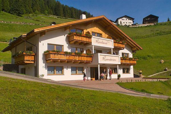 Summer presentation photo Residence Rumanon