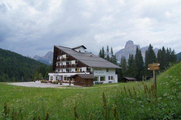 Foto estiva di presentazione Hotel Planac - Golf & Ski