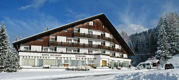 Foto invernale di presentazione Hotel Planac - Golf & Ski
