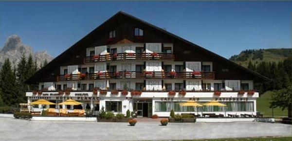 Foto esterno in estate Planac - Golf & Ski