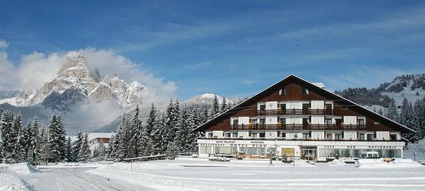 Foto esterno in inverno Planac - Golf & Ski