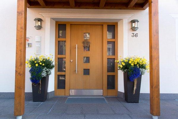 Foto esterno Appartamenti Ansciuda