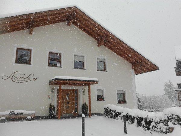 Foto esterno in inverno Ansciuda