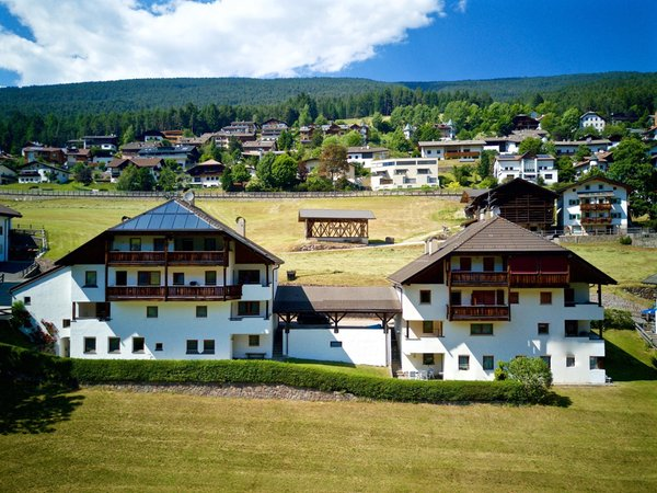 Foto estiva di presentazione Apartments Villa Erina