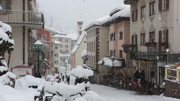 Foto esterno in inverno Tlusel