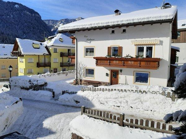Foto esterno in inverno Cesa Rabanser