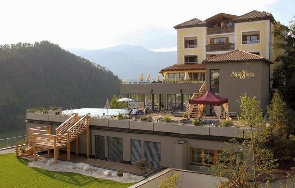 Sommer Präsentationsfoto Hotel Alpenflora