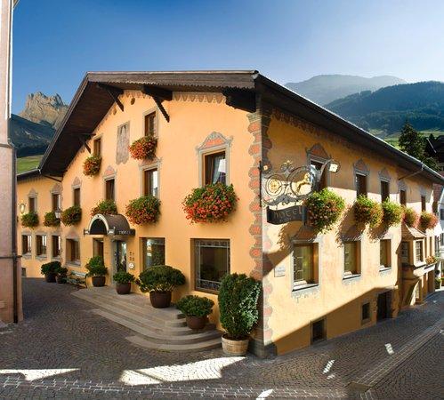 Foto estiva di presentazione B&B-Hotel Cavallino D'Oro