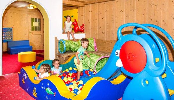 La sala giochi Hotel Alpenroyal