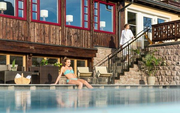 La piscina Villa Kastelruth - Hotel 4 stelle