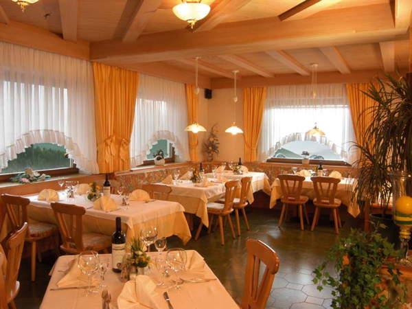 The restaurant Castelrotto / Kastelruth Ortler