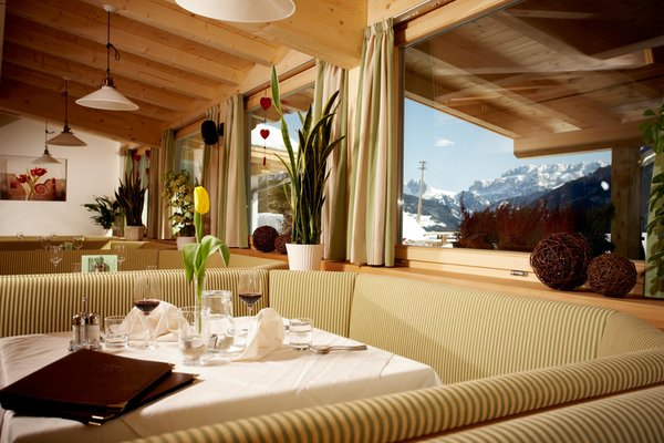 The restaurant Castelrotto / Kastelruth Pinei Nature & Spirit