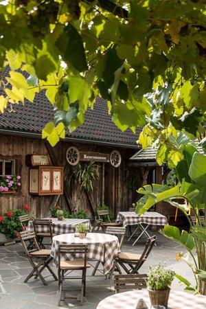 Photo exteriors Gasthof (Small hotel) Zu Tschötsch