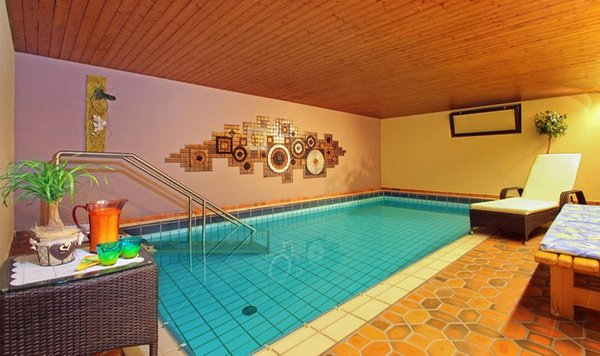 Swimming pool Savoy - B&B-Hotel 3 stars