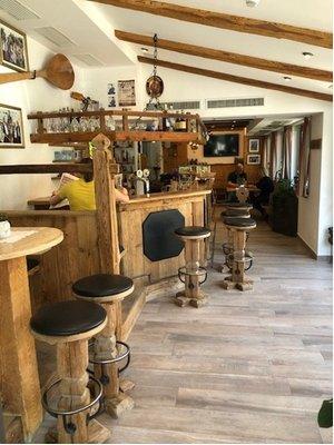 Foto del bar Garni + Residence Trocker