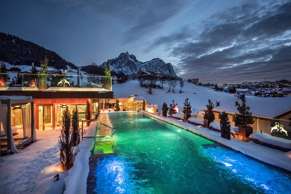Winter presentation photo ABINEA Dolomiti Romantic SPA Hotel