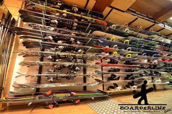 Noleggio sci Boarderline com.xlbit.lib.trad.TradUnlocalized@466e67f5