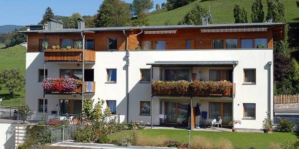 Foto estiva di presentazione Almiva - Appartamenti 3 soli