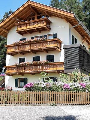 Foto estiva di presentazione Appartamenti Haus Waldrand