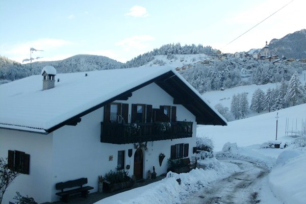 Foto invernale di presentazione Rundschuhhof - Appartamenti in agriturismo 2 fiori