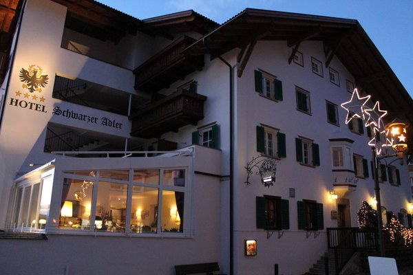 Foto invernale di presentazione Schwarzer Adler - Hotel 4 stelle