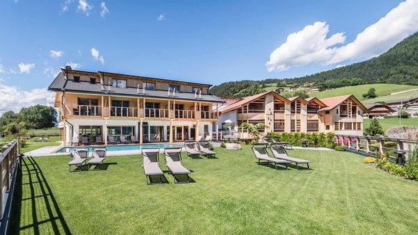 Foto esterno in estate Sonus Alpis