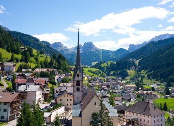Tourist Board Dolomites Val Gardena - Santa Cristina / St. Christina ...