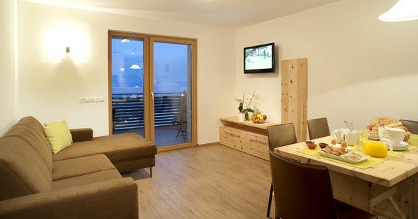 Der Wohnraum Kamaunhof - Zimmer + Ferienwohnungen auf dem Bauernhof 2 Blumen