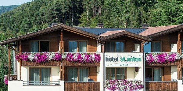 Foto esterno in estate St. Anton