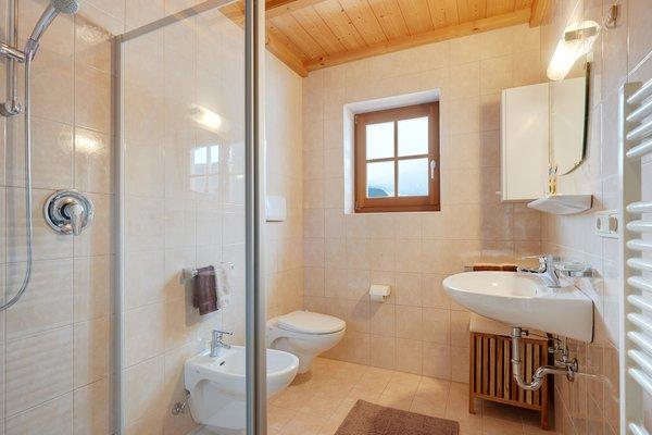 Foto del bagno Appartamenti in agriturismo Dosserhof