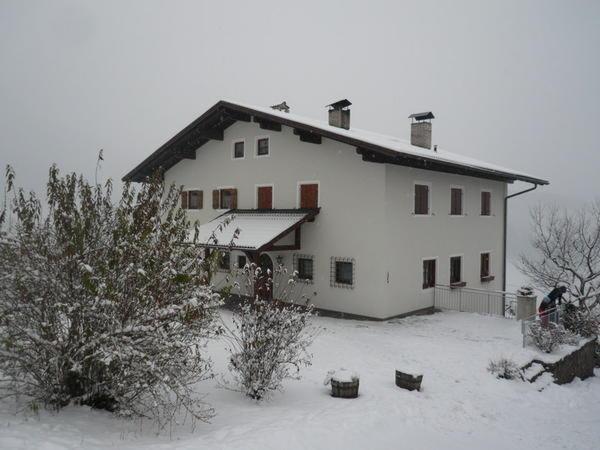Winter Präsentationsbild Funtnatscherhof - Ferienwohnungen auf dem Bauernhof 3 Blumen