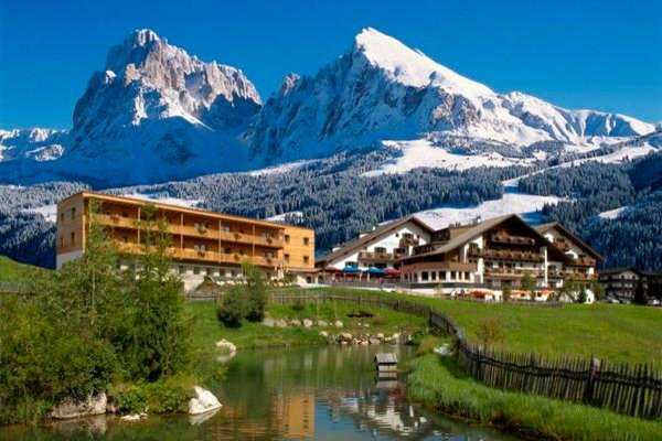 Foto estiva di presentazione Saltria Mountain Resort - Hotel 4 stelle