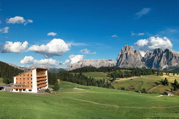 Foto estiva di presentazione Sonne Sporthotel - Hotel 4 stelle