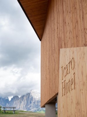 Photo exteriors in summer ICARO Hotel