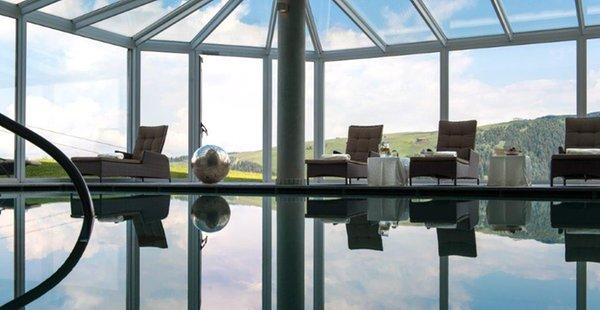 La piscina Santner Alpine Sport & Relax - Hotel 4 stelle