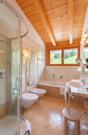 Photo of the bathroom Hotel Monte Piz