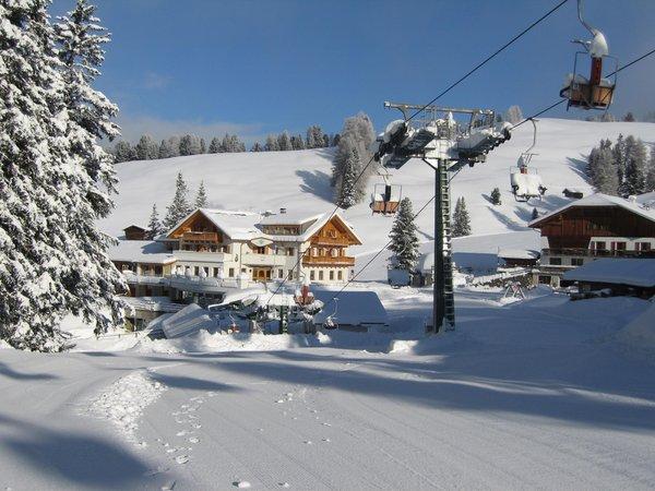 Foto esterno in inverno Monte Piz