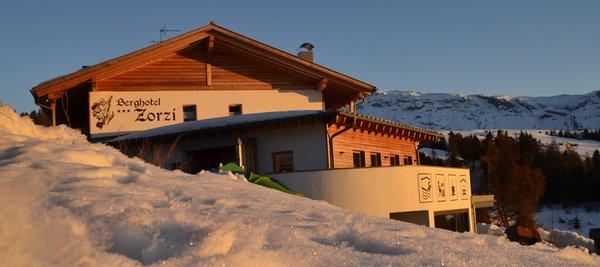 Foto invernale di presentazione Berghotel Zorzi - Hotel 3 stelle