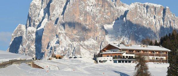 Foto esterno in inverno Berghotel Zorzi