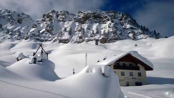 Foto esterno in inverno Mahlknechthütte