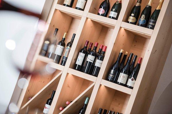 La cantina dei vini Corvara Villa Tony - Small Romantic Hotel