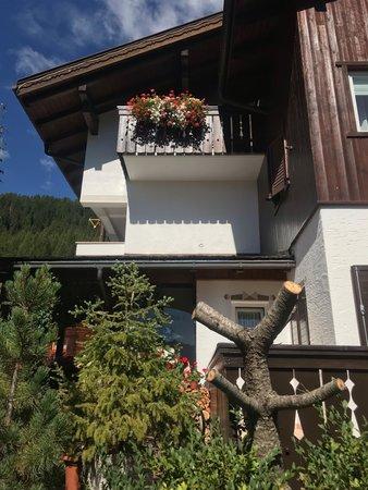 Foto Außenansicht im Sommer Ciasa Blancia