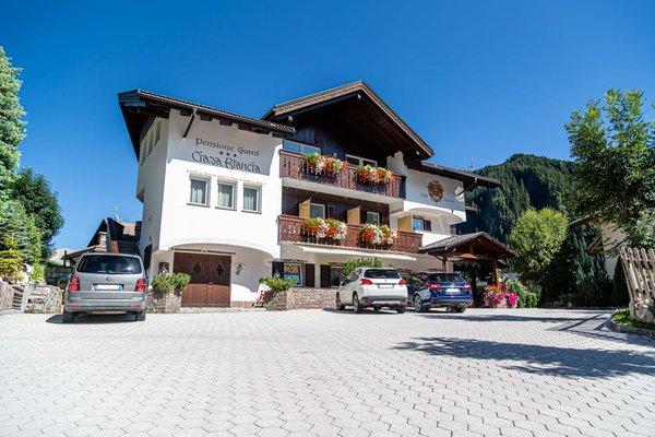 The car park Small hotel Ciasa Blancia