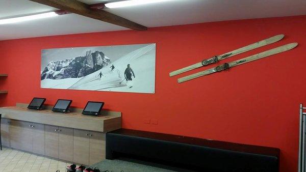 Photo of some details Ski Service Saslong