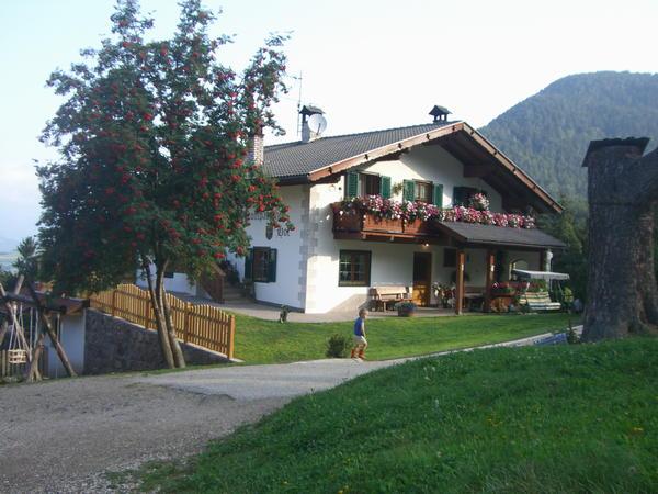Foto esterno in estate Kompatscherhof